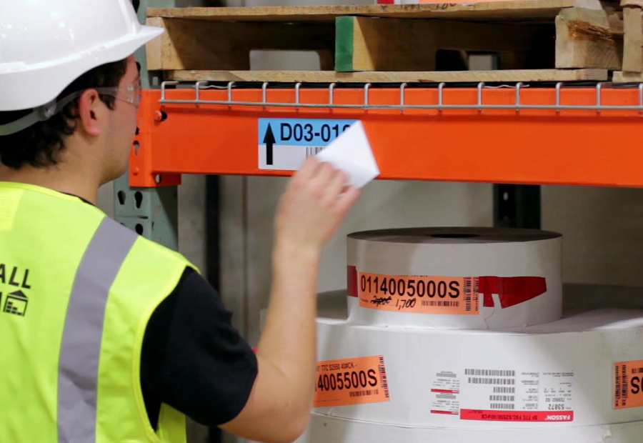 4 Ways Custom Warehouse Labels Improve Operations